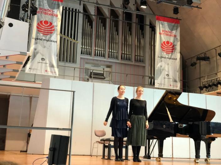 Mia Vatter & Lisa Gandlin